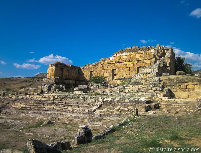 Fontaine du temple d'Apollon