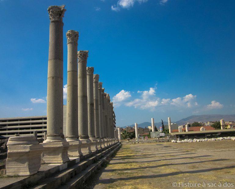 Découverte d'un corridor romain dans l'antique cité de Metropolis en Turquie