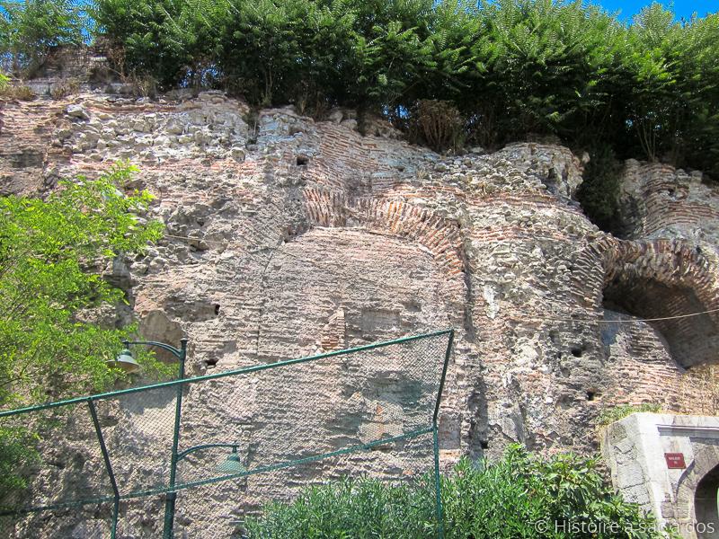 Mur sud de l'hippodrome