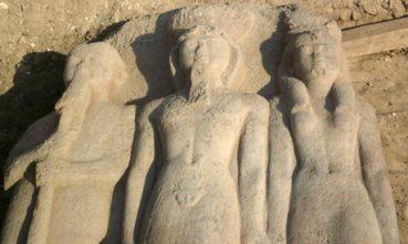 Découverte d'une statue de Ramsès II grandeur nature en Egypte