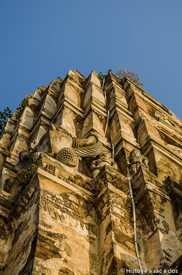 Prang du Wat Ratchaburan