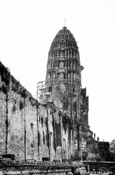 Comment des voleurs pris sur le fait ont permis la découverte d'un fabuleux trésor à Ayutthaya en Thaïlande