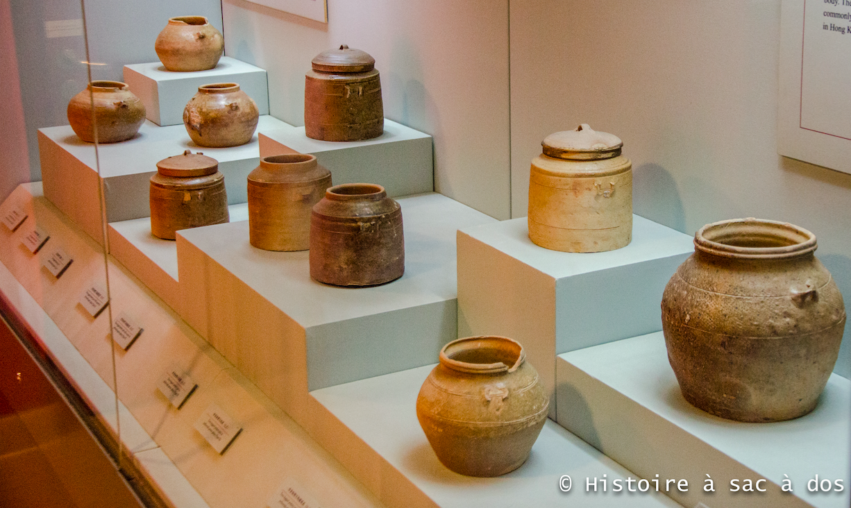 Vaisselle en terre cuite - Tombe Han de Lei Cheng Uk - Hong Kong