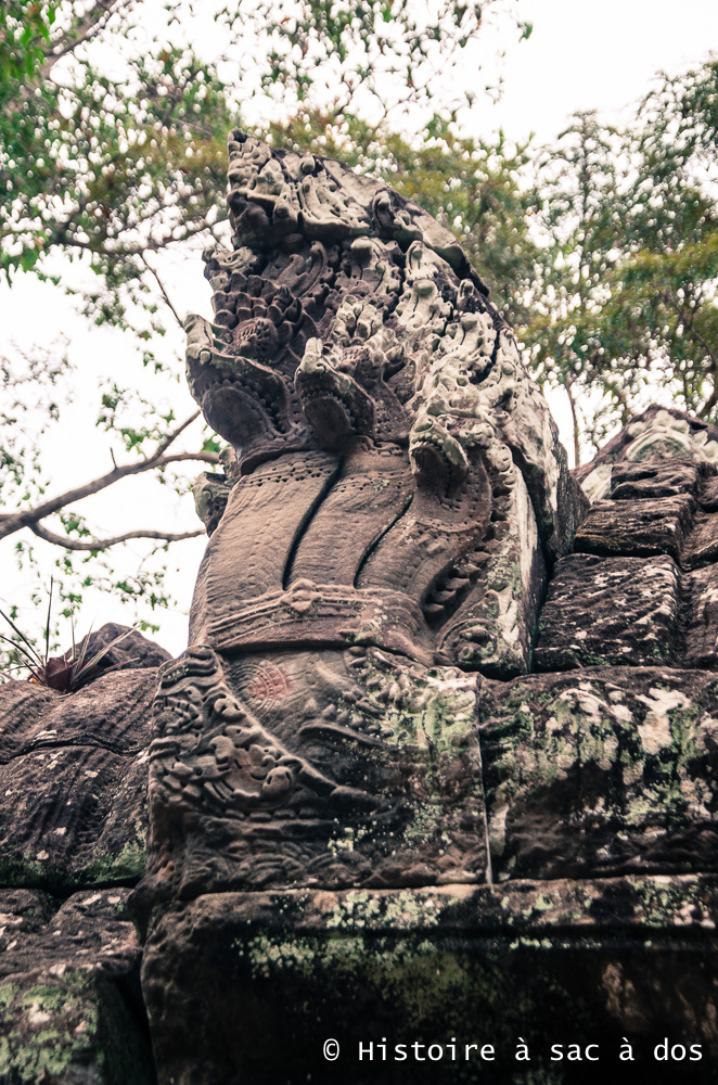 Serpents nagas, gardiens du temple Ta Som - Angkor
