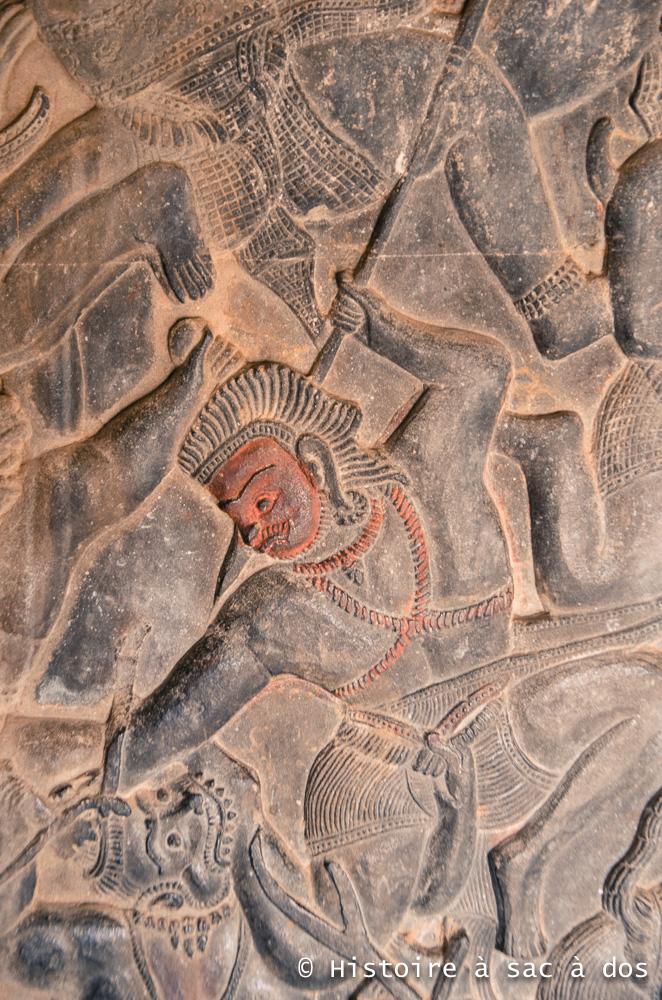 Bas-relief contant un épisode du Ramayana, la bataille de Lanka (le royaume du démon Ravana) - Angkor Vat.