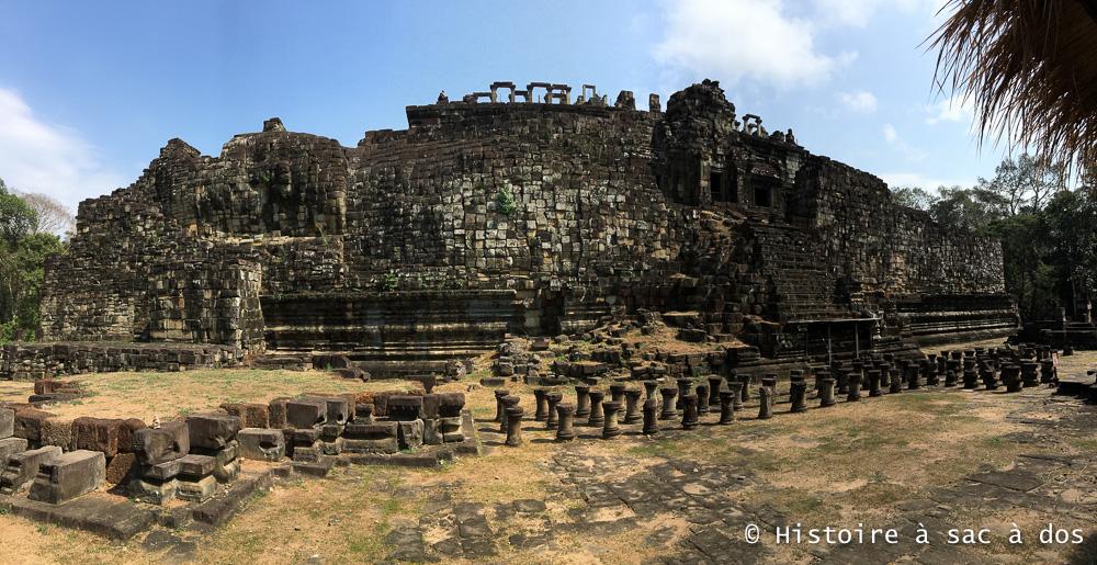 Bouddha couché du temple Baphuon - Angkor Thom