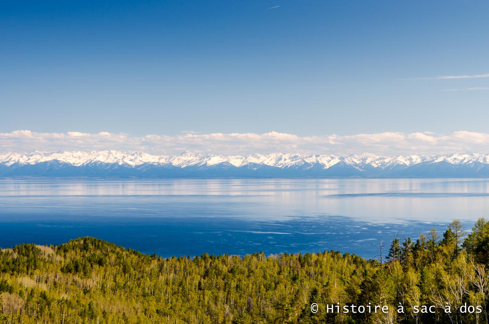 Le célèbre lac Baïkal en Sibérie, Russie