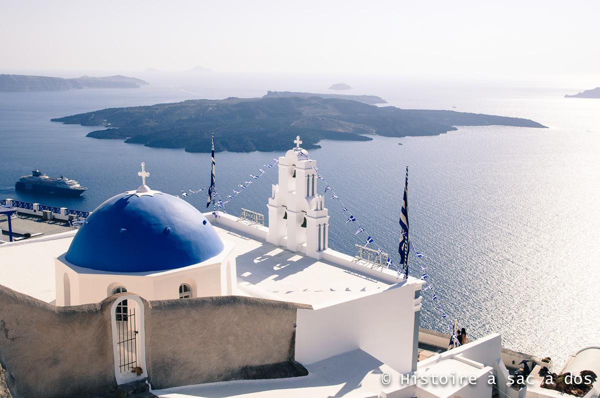 Santorin. Grèce. Vue sur la caldéra depuis les hauteurs de Fira.