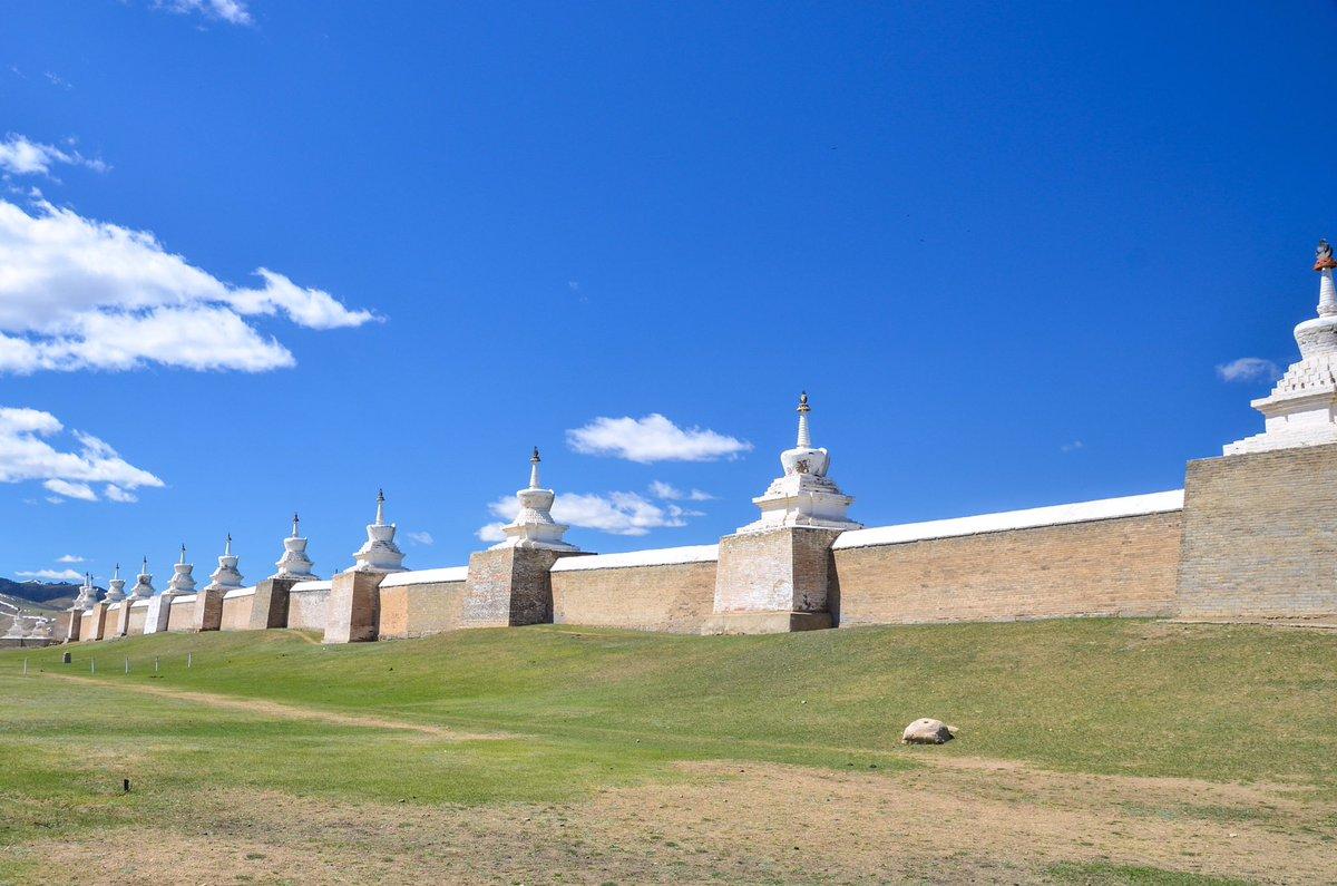 Monastère bouddhiste Erdene Zuu, XVIè siècle. Il fut construit sur les ruines de Karakorum, ancienne capitale mongole. Mongolie
