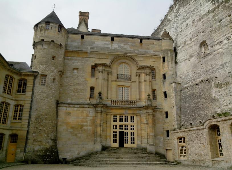 Entrée du château de La Roche-Guyon