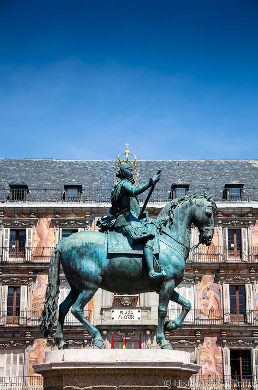 "Statue de Philippe III d'Espagne sur la ""Plaza Mayor"" de Madrid"
