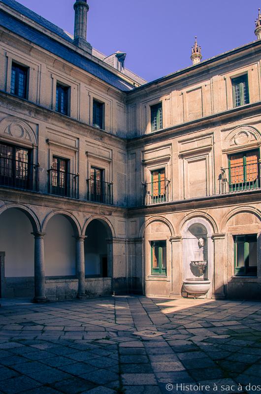 Cour du monastère del Escorial