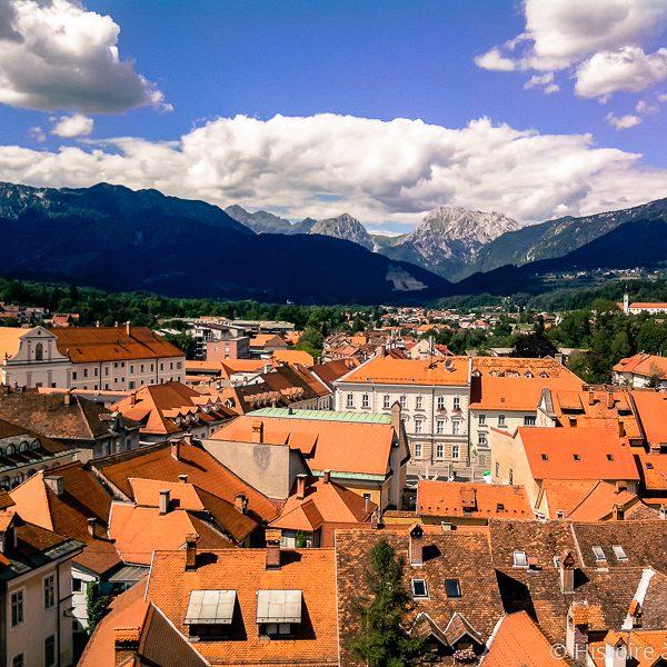 Vue de la ville de Kamnik en Slovénie