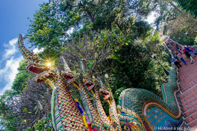 Escaliers du Wat Doi Suthep