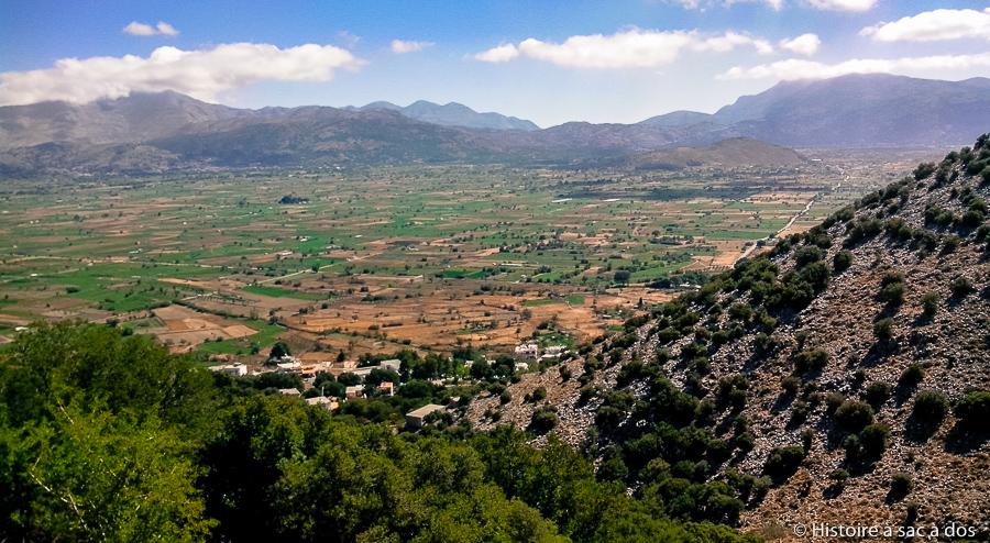 Vue du plateau de Lassithi depuis la grotte de Dikti