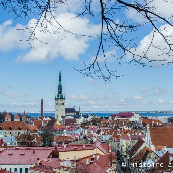 Vue de la ville médiévale de Tallinn depuis Toompea