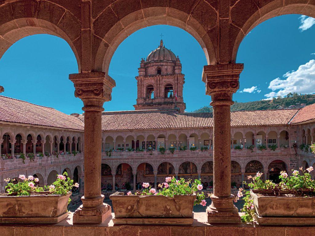 Couvent Saint-Dominique de Cusco, autrefois le temple du Soleil des Incas.