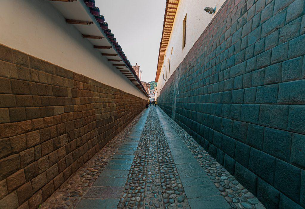 Rue aux murs incas de Cusco